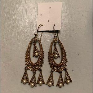 Vintage Pearl Dangle Design Brassed Earrings